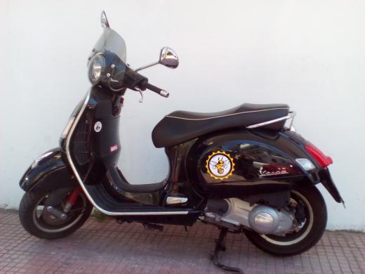 PIAGGIO VESPA GTS 300-2010